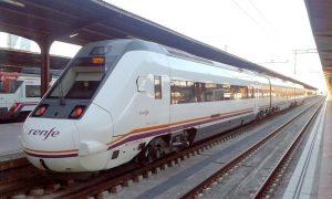 Automotor s/599 en Madrid-Chamartín con destino a Soria.