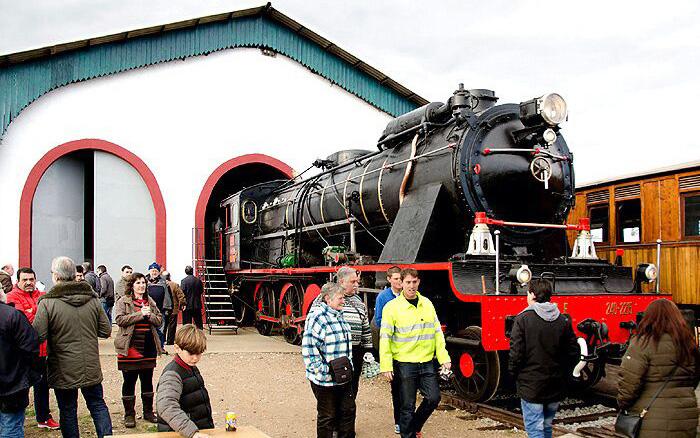 Locomotora 240-2215 'San Fernando' en el Parque Ferroviario de Martorell.