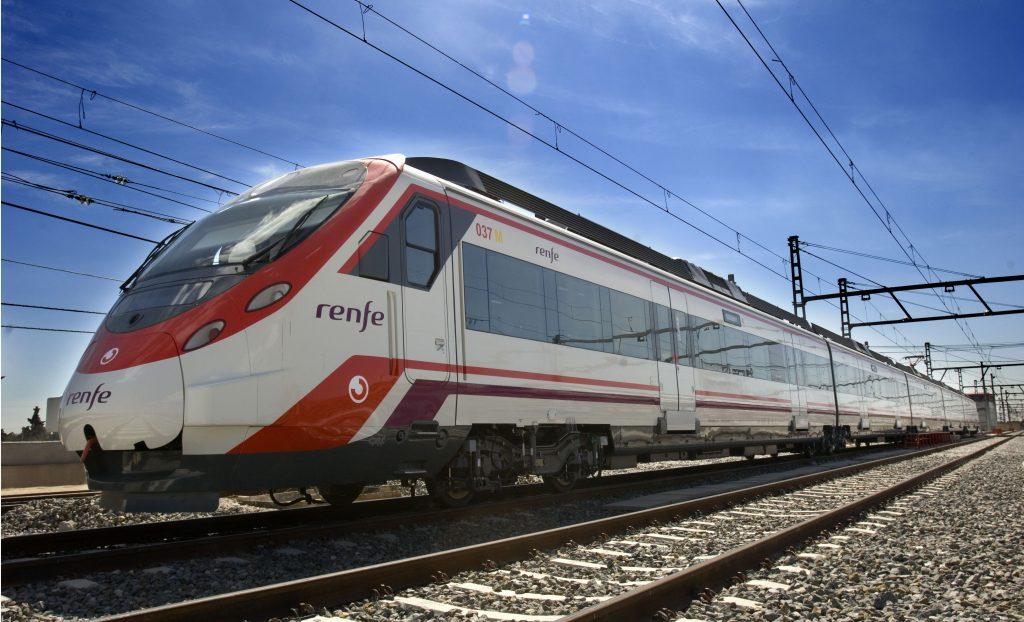 Unidad de la serie 465 de Renfe Cercanías.