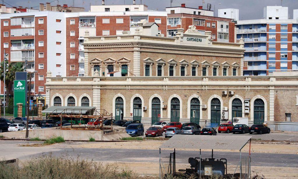 Imagen lateral de la estación de Cartagena.