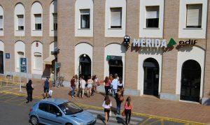 Imagen de archivo de la fachada de la estación de Mérida.