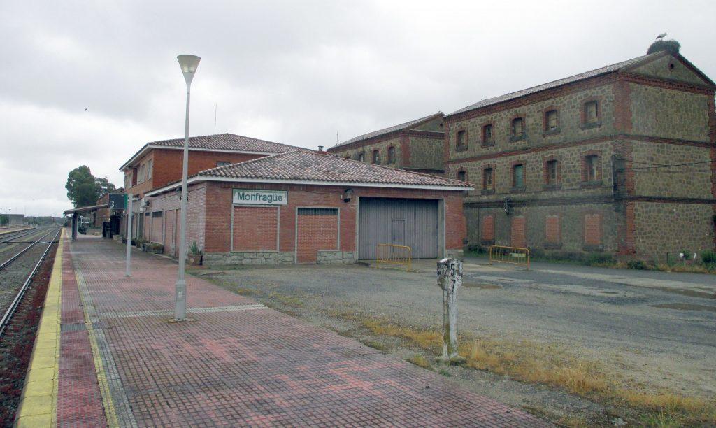 Estación y poblado ferroviario de Monfragüe.
