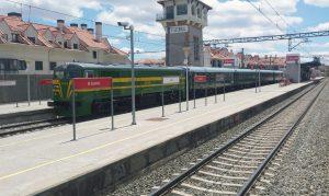 Composición del 'Tren de Felipe II' estacionada en El Escorial.