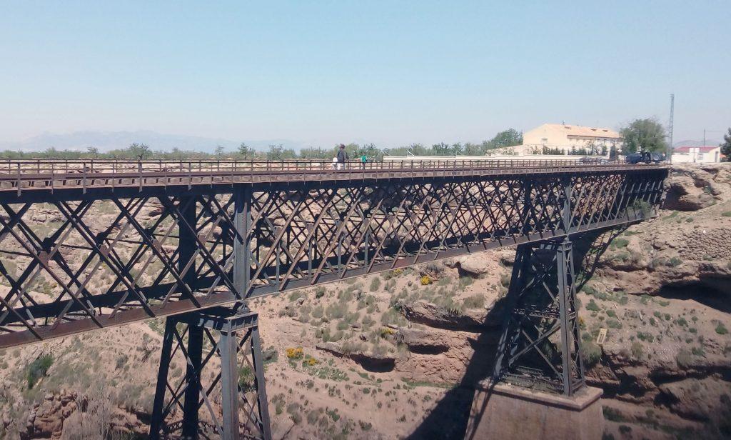 Viaducto entre Gor y Baúl, línea Guadix-Baza.