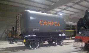 Vagón cisterna restaurado en Móra la Nova.
