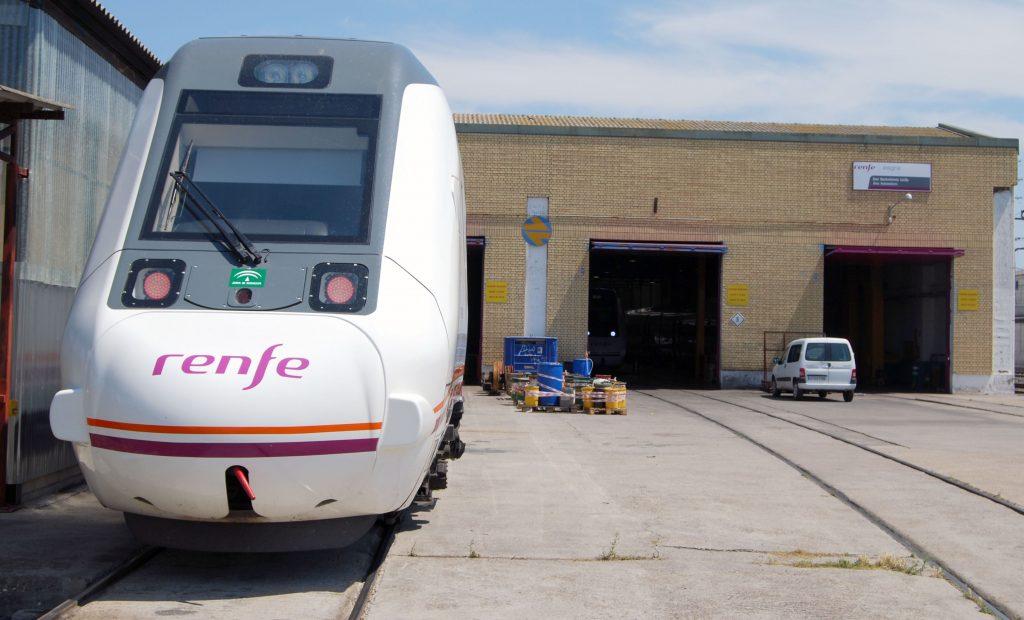 Nave de mantenimiento de autopropulsados diésel de Sevilla.