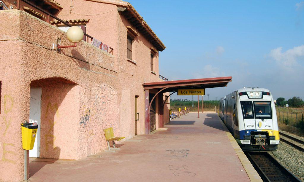 Estación término de la línea Cartagena-Los Nietos.