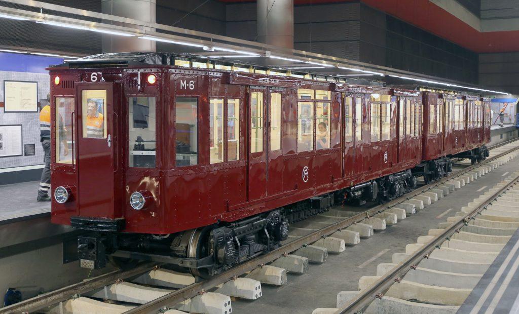Coches históricos restaurados por Metro de Madrid SA.