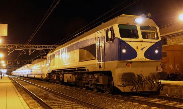 Imagen de un Trenhotel de Talgo.