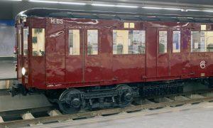 Nuevos coches en la exposición conmemorativa de Metro de Madrid SA.