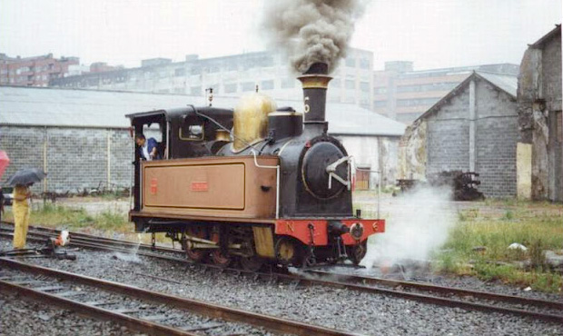 Locomotora de vapor 'Guipúzcoa' custodiada por la AAF de Bilbao.