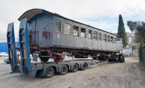 Coche de dos ejes de los ferrocarriles portugueses.